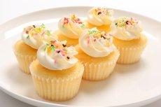 Photo2: Vanilla Cupcakes (×6) (2)