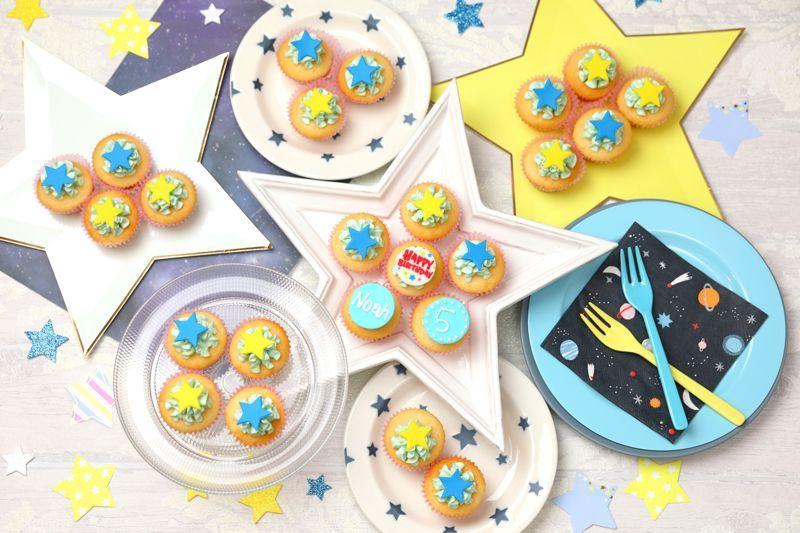 Photo1: Mini Fun Birthday Box (1)