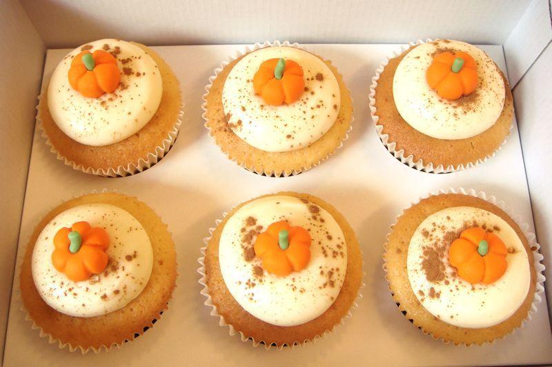 Photo1: Thanksgiving cupcakes (x6) (1)